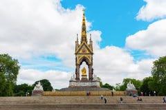 Albert Memorial på den Kensington trädgården i London, UK Royaltyfri Bild