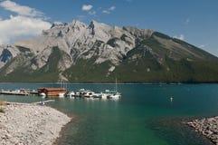 alberta banff Kanada lakeminnewanka Royaltyfria Bilder