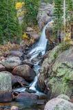 Alberta Falls Rocky Mountain National parkerar Arkivbild