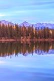 alberta Kanada lakepyramid Arkivfoto