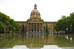Alberta Legislature. Horizonatl picture of the Alberta Legislature showing the reflection in front Royalty Free Stock Photos