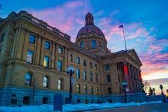 Alberta Legislature Grounds, en la puesta del sol fotografía de archivo