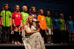 alberte kolesia children chór śpiewa Zdjęcia Stock