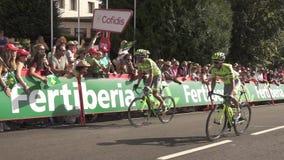 Alberto Contador efter krasch i Puebla de Sanabria stock video