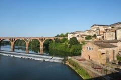 Albi, Brücke über dem Tarn-Fluss Lizenzfreie Stockfotografie