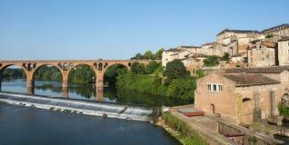 Albi, Brücke über dem Tarn-Fluss Stockfotos
