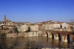 Albi bro över den Tarn floden, Frankrike Royaltyfri Fotografi