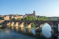 Albi, brug over de rivier van de Tarn Royalty-vrije Stock Foto's