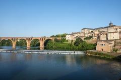 Albi, brug over de rivier van de Tarn Stock Afbeelding