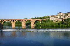 Albi, brug over de rivier van de Tarn Stock Foto