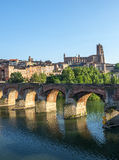 Albi, ponte sopra il fiume del Tarn Fotografia Stock