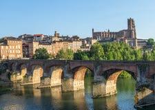 Albi, ponte sopra il fiume del Tarn Fotografia Stock Libera da Diritti