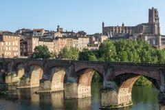 Albi, ponte sopra il fiume del Tarn Immagine Stock