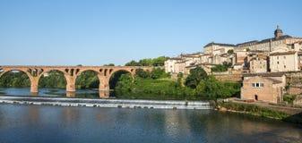 Albi, puente sobre el río del Tarn Fotografía de archivo libre de regalías