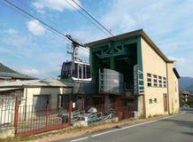 Albino, Bergamo Die Kabelbahn, das das Dorf von Selvino erreichen lizenzfreies stockbild