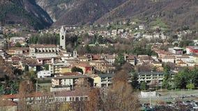 Albino, Bergamo, Italië Luchtlandschapsmening van de stad stock videobeelden