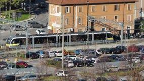 Albino, Bergamo, Italien Der Stadtzug an der Station stock footage