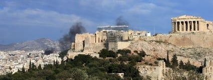 Alborotos de Atenas Grecia   Foto de archivo
