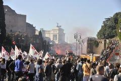 Alborotos en Roma - protesta italiana de los estudiantes Foto de archivo libre de regalías