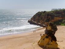 ALBUFEIRA, POŁUDNIOWY ALGARVE/PORTUGAL - MARZEC 10: Widok być Zdjęcie Stock