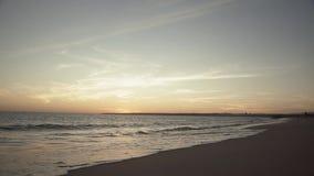 ALBUFEIRA - Vendaval da Dinamarca do Praia, o Algarve, Portugal filme