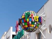 ALBUFEIRA, ZUIDELIJKE ALGARVE/PORTUGAL - 10 MAART: Kleurrijke Stre Royalty-vrije Stock Fotografie