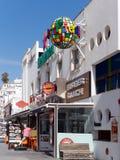 ALBUFEIRA, ZUIDELIJKE ALGARVE/PORTUGAL - 10 MAART: Kleurrijke Stre Royalty-vrije Stock Afbeelding