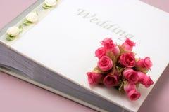 Album di foto di nozze immagini stock libere da diritti