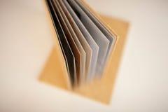 Albumu fotograficznego Złoty kolor z tekstylną pokrywą Zdjęcie Stock