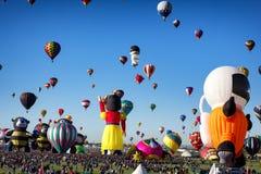 ALBUQUERQUE NYA - Mexico - OKTOBER 06, 2013: Baloon för varm luft Fiesta i Albuquerque som är ny - Mexiko Arkivfoton