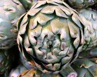 Alcachofas orgánicas Foto de archivo libre de regalías