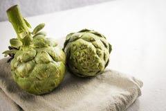 Alcachofra verde Fotos de Stock Royalty Free
