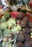 Alcachofras em um mercado Imagem de Stock
