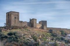 Alcal在塞维利亚,安大路西亚省的de Guadaira城堡  免版税库存图片