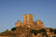 Alcal在塞维利亚,安大路西亚省的de Guadaira城堡  免版税库存照片