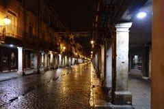 Alcala de Henares, Madrid, España 28 de noviembre de 2017: Calle principal Imágenes de archivo libres de regalías