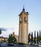 Alcala de Henares, Madrid, España 8 de septiembre de 2017; La torre de la iglesia de Santa Maria en el cuadrado llamó a Rodriguez imagen de archivo