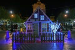 Alcala de Henares, Madrid, Spanien/December 1, 2017: Nattskott royaltyfri foto