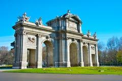 alcala de port historisk lokaliserad madrid puerta spain madrid spain Arkivfoton