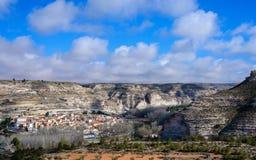 Alcala del Jucar dal punto di vista della strada delle ere fotografia stock