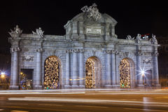 Alcala Tor Mardid mit Verkehr blurr Lizenzfreies Stockfoto