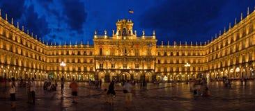 Alcalde histórico en la noche, Salamanca de la plaza Foto de archivo libre de regalías