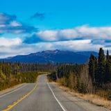 Alcan par le grand extérieur Canada de territoire de Yukon images stock
