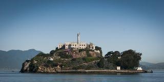Alcatraz da prisão no dia de verão ensolarado azul Imagem de Stock