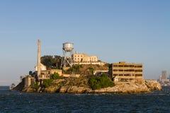 Alcatraz-Insel-Nordansicht von der Fähre Lizenzfreie Stockbilder