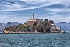 Alcatraz-Insel vom Wasser stockfotografie
