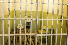 ALCATRAZ - SAN FRANCISCO - 05 JUNI 2017 - cell av det Alcatraz fängelset royaltyfria foton