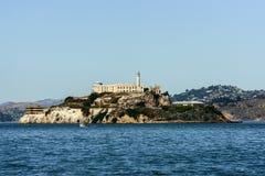 Alcatraz więzienie od mola 39 w San Francisco i wyspa zdjęcia stock