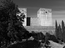 Alcazaba在阿尔罕布拉宫,格拉纳达,西班牙耸立 免版税库存图片