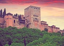 Alcazaba in Alhambra in der Abendzeit Granada, Spanien Lizenzfreie Stockfotos